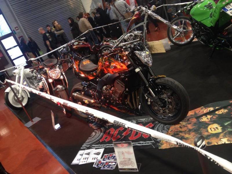 ACDC-Bike-Airbrush-Realfire