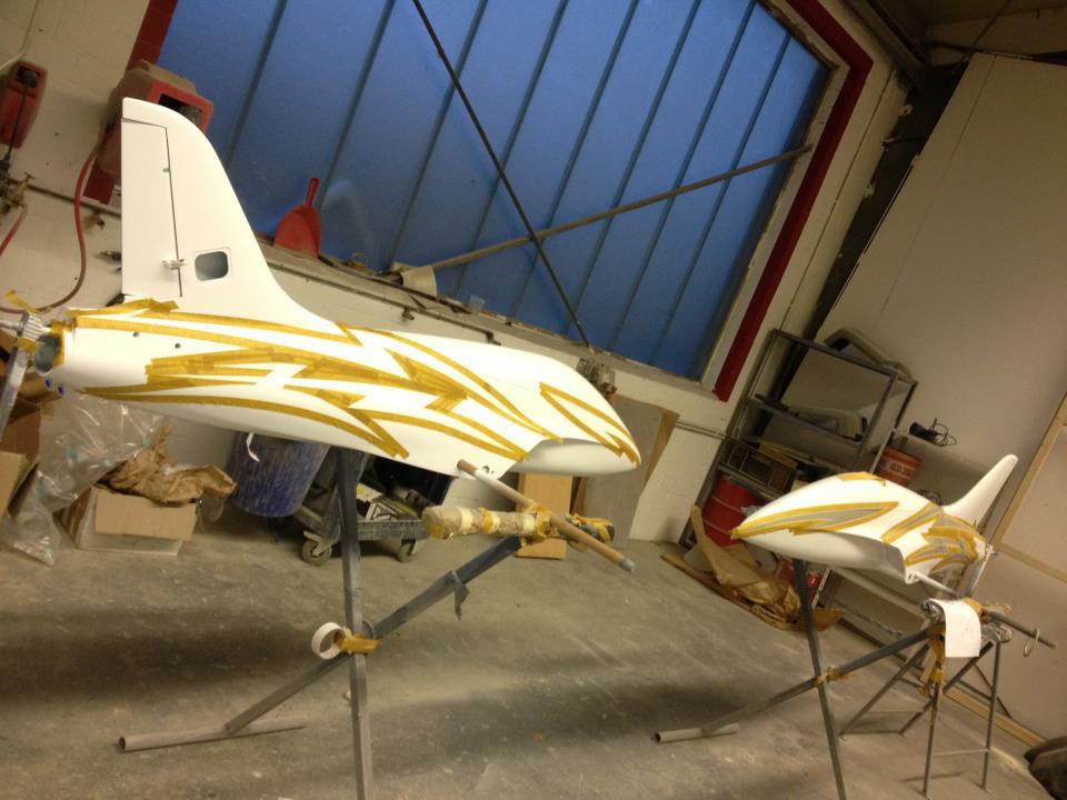 Modellflugzeuge & Boote 4