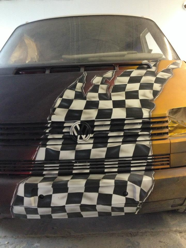 Airbrush Racing Flag auf VW T4