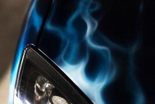 Designlackierung-Airbrushlackierung-blaue-flammen