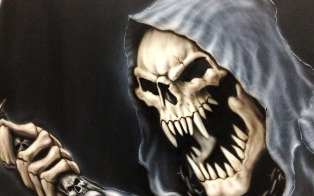 """Airbrush Auto: Jetzt mit """"neuen"""" Reaper auf der Haube"""